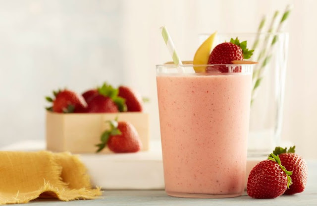 Strawberry and Mango Smoothie #healthydrink #breakfast