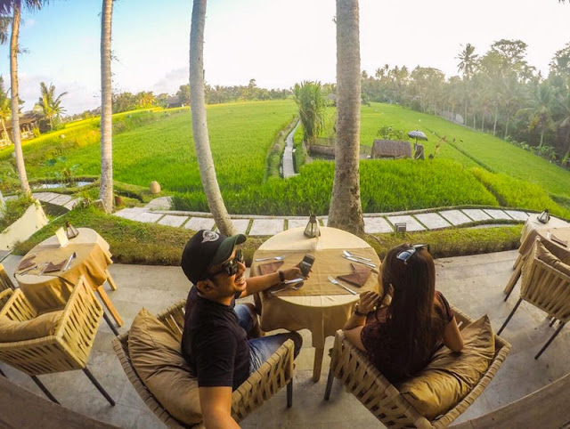 Tempat Makan Romantis di Bali yaitu Terracotta Restaurant