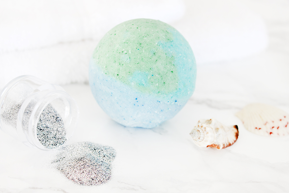 Southern mom loves diy mermaid shimmer bath bombs lush ious recipe if you can get to maggies pharm in memphis you can pick up this gorgeous fragrance oil yourself they dont do online orders but if you cant solutioingenieria Gallery