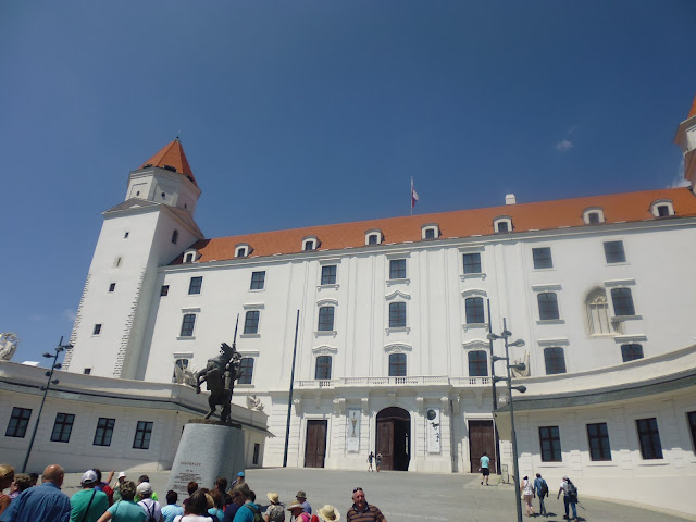 Castillo de Bratislava (@mibaulviajero)