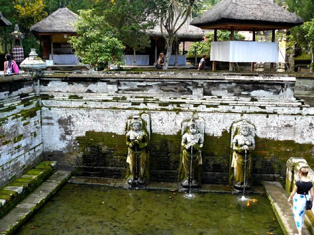 piscinas sagradas goa gajah cueva elefante