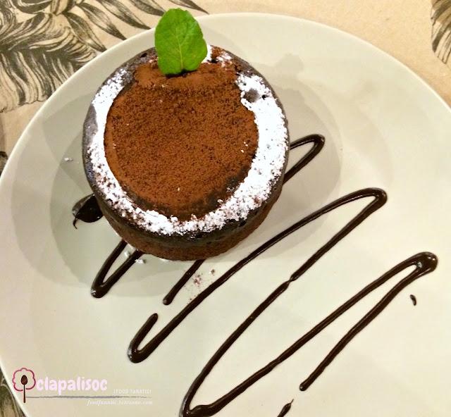 Molten Pastillas Lava Cake