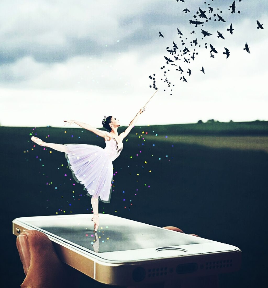 04-iPhone-Ballerina-Ömer-Taşdemir-Different-Point-of-View-with-Surreal-Photo-Manipulation-www-designstack-co
