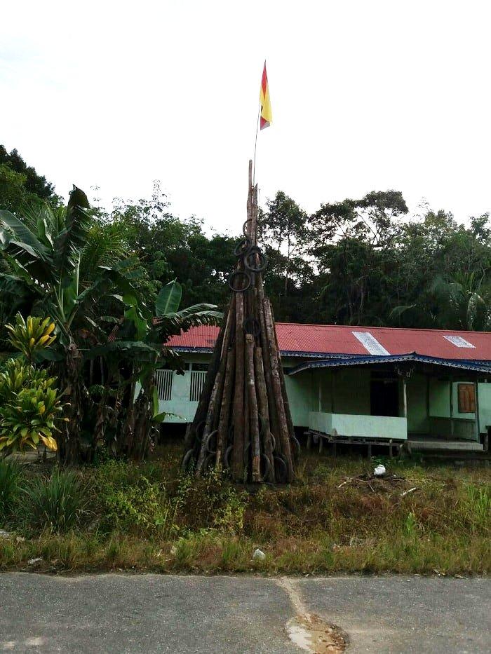 Begini Alasan Warga Kibarkan Bendera Sarawak (Malaysia) Di Kapuas Hulu