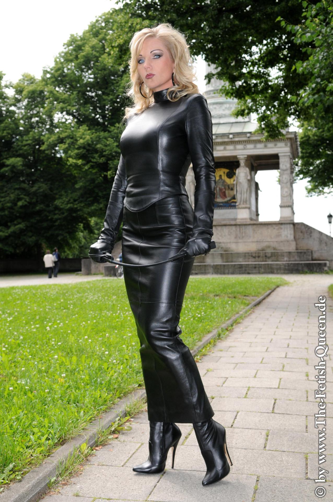 heike leather skirt
