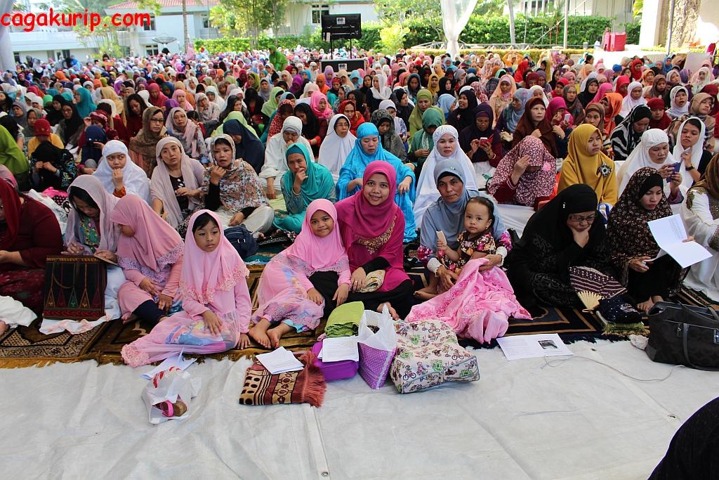 Jamaah Wanita Sholat Ied di KBRI Singapura