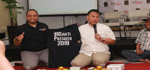 "Penyebar Hoax ""Pemilik Abu Tours-Wasekjen PKS"" tak Ditangkap, Pemerintahan Jokowi Dipermalukan!"