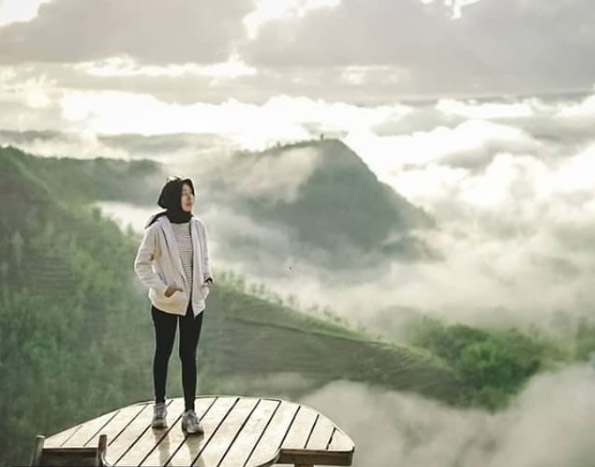 Kabut Putih di Bukit Panguk(