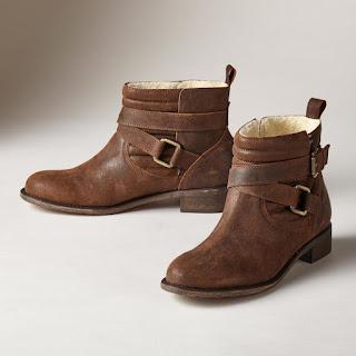 Tips Sepatu Bebas Bau Membandel dengan Mudah dan Cepat!