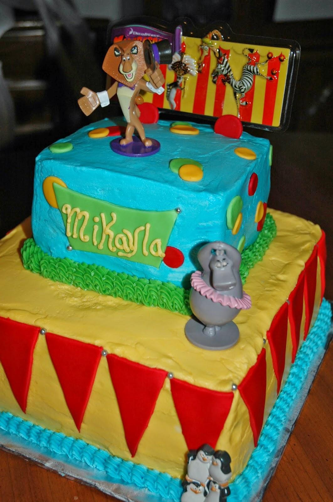 Topper Circus Madagascar Cake