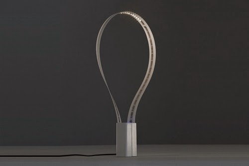 03-Flexible-LED-Desk-Lamp-Magnetic-Base-Fluida-Martinelli-Luca-Marco-De-Santi-Alessandro-Paoletti-www-designstack-co