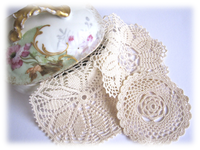 3 blondas de crochet para scrapbooking