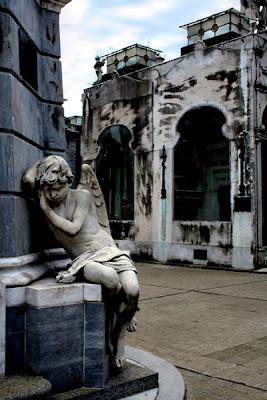 conhecendo a América Latina; Bairro Recoleta; Argentina; Buenos Aires; cemitério Recoleta; túmulo de Evita Peron; Bairro Recoleta;