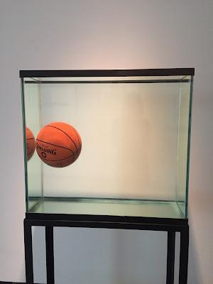 Ach, und da war doch noch dieses Kunstwerk von Jeff Koons... © diekremserin on the go