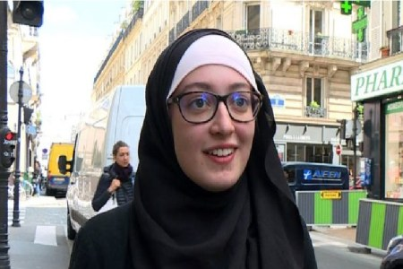Tampil Berhijab, Presiden Mahasiswa Universitas Sorbonne Dikecam Pejabat Prancis