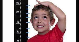 هل يسطتيع قصير القامة زيادة نمو طوله ؟ اليكم الاجابة بالنسبة للأطفال و للبالغين !!!