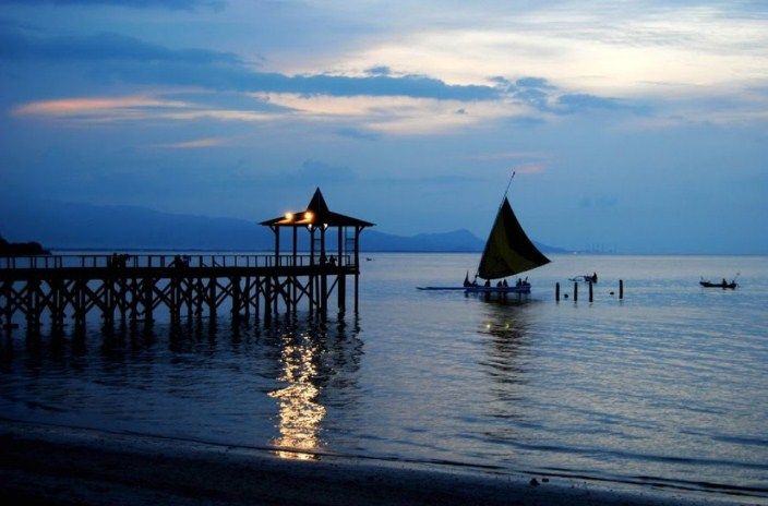 Panorama Pantai Pasir Putih Situbondo