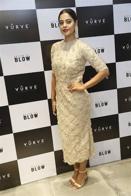 Bindu Madhavi Stills At Salon Blow Inauguration