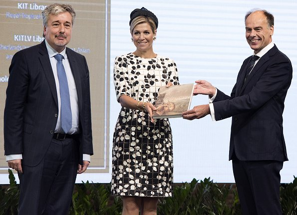 Queen Maxima wore Carolina Herrera Leaf Print Tweed Half Sleeve Dress and Natan pumps, she carried Chanel bag