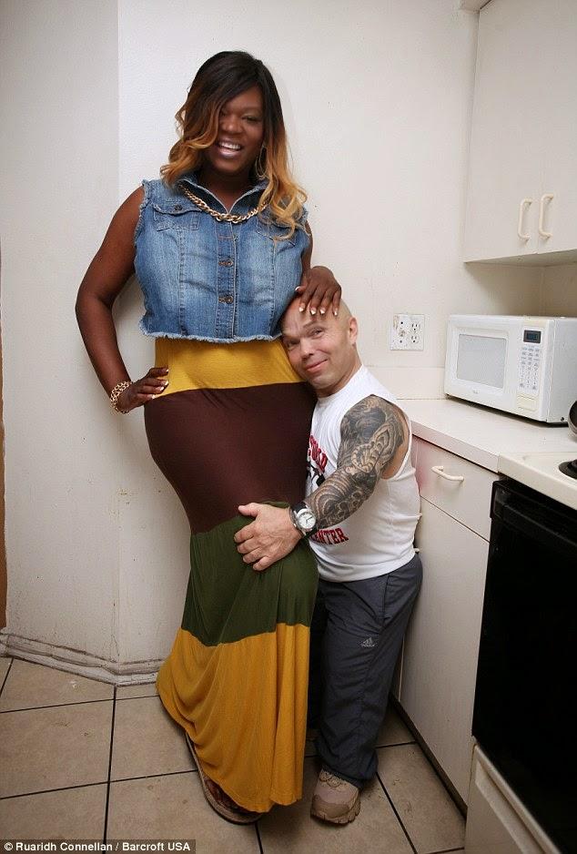 dating a dwarf man