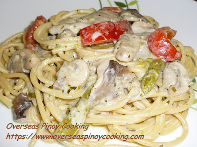 Asparagus and Mushroom Spaghetti in White Sauce Dish