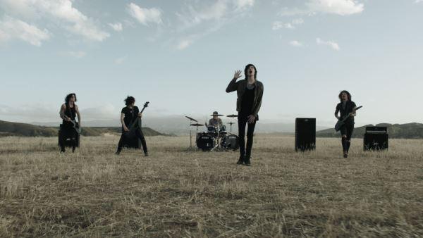 "ASKING ALEXANDRIA: Δείτε το νέο τους video για το ""Here I Am"""
