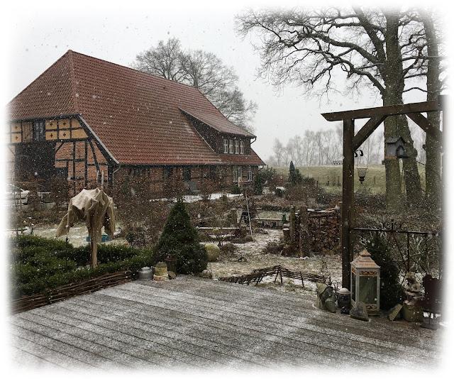 Bauernhaus im Winterschlaf