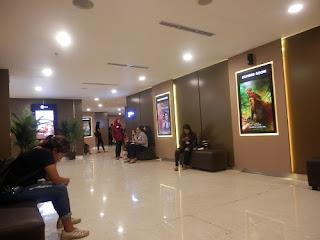 Ruang Tunggu Cinemaxx Plaza Renon