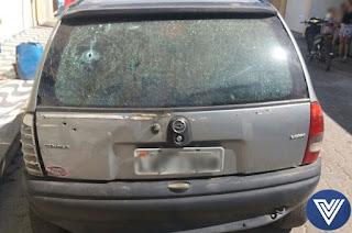 http://vnoticia.com.br/noticia/2426-jovem-e-baleada-em-santa-clara-apos-carro-ser-cravejado-de-tiros