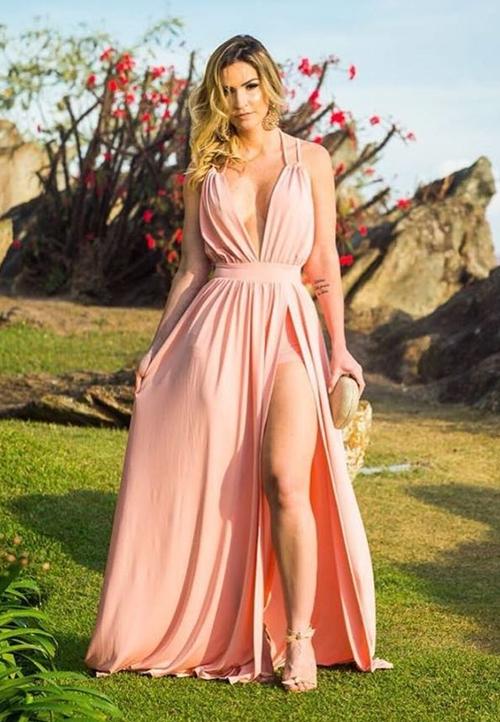 vestido rose longo com fenda