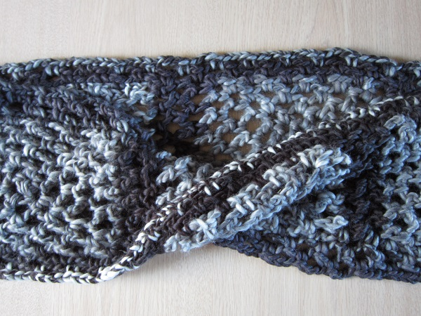 cowl, crochet, granny square, Loops & Threads Facets