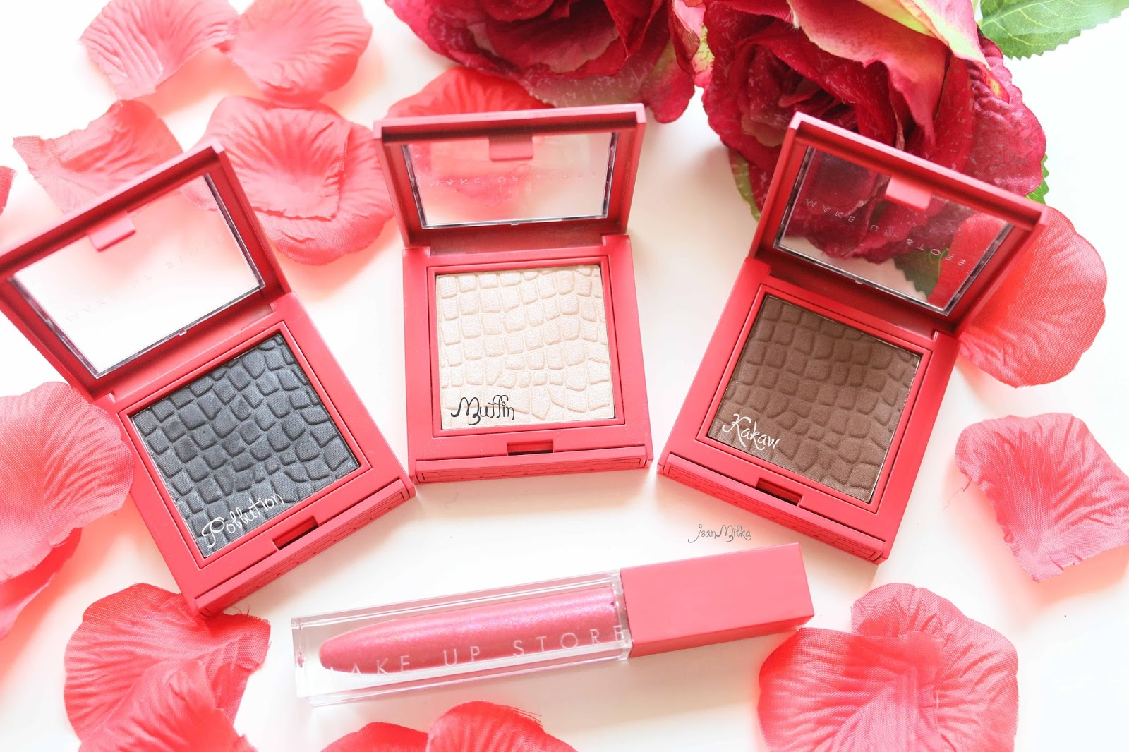 makeup, eye, eyeshadow, review, make up store, red, elegant, packaging, limited edition