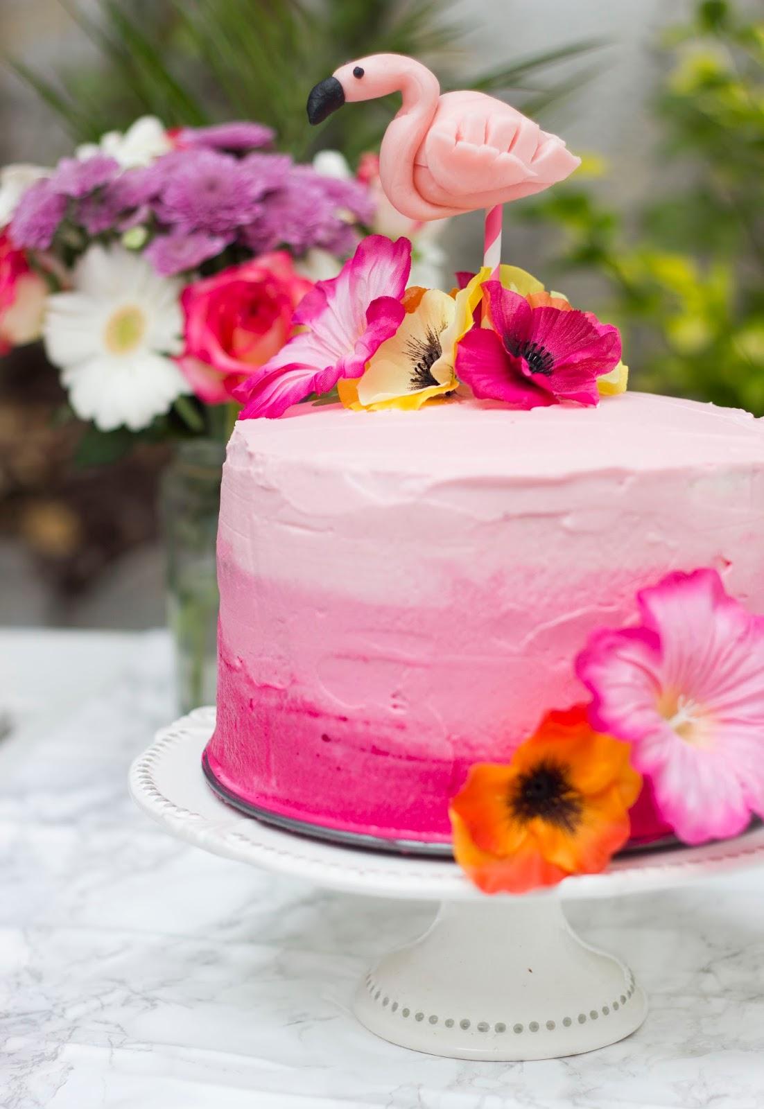 Layer cake aux fraises carnet sucr - Moule a layer cake ...