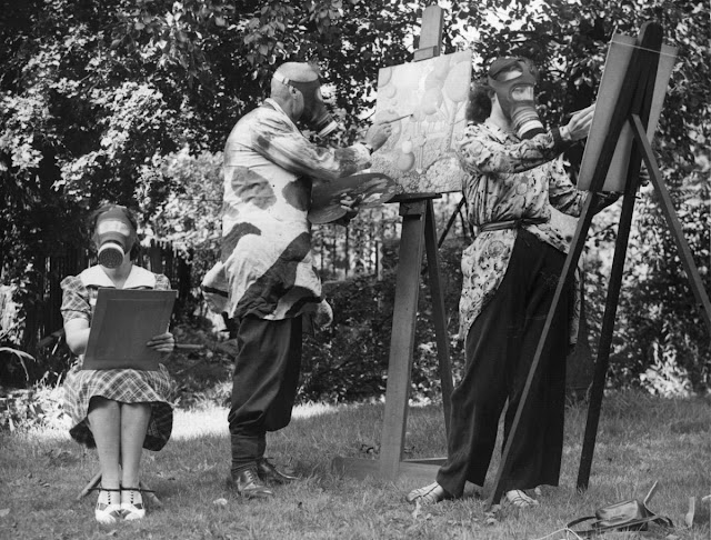 British artist Albert Perry at work, 19 August 1941 worldwartwo.filminspector.com