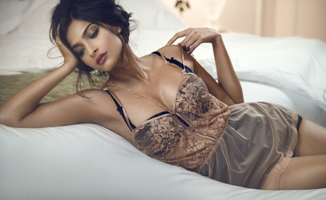 no-shame-in-revealing-my-age-sonam-kapoor
