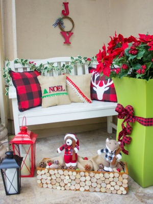Mad for Plaid! Christmas Front Porch
