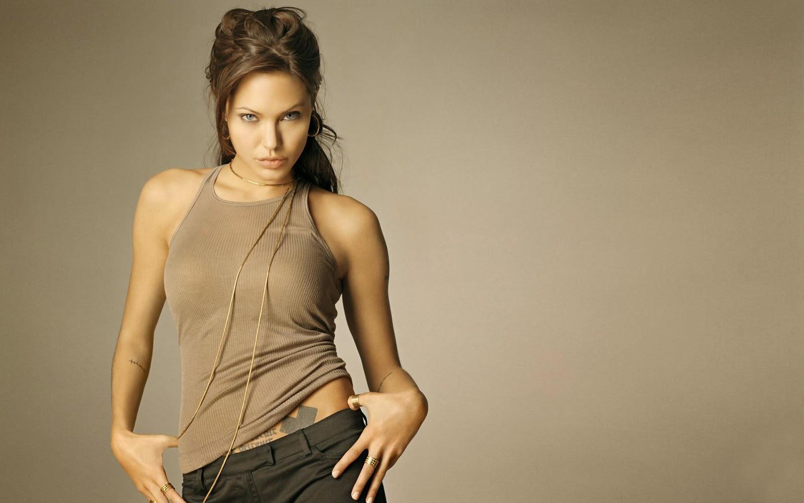 Angelina jolie nude wallpaper
