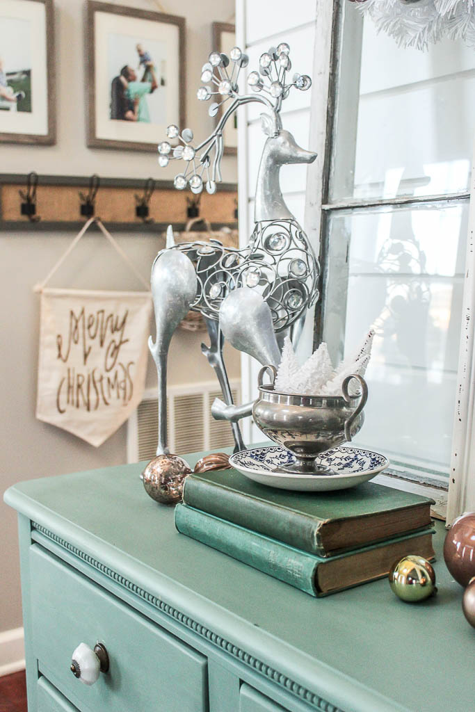 Christmas foyer table ideas