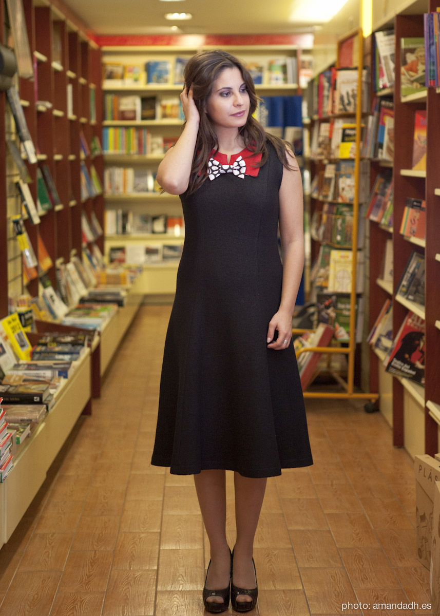Black boucle wool dress - Senorita Martita FALL-WINTER street style by Amanda Dreamhunter - made in Spain