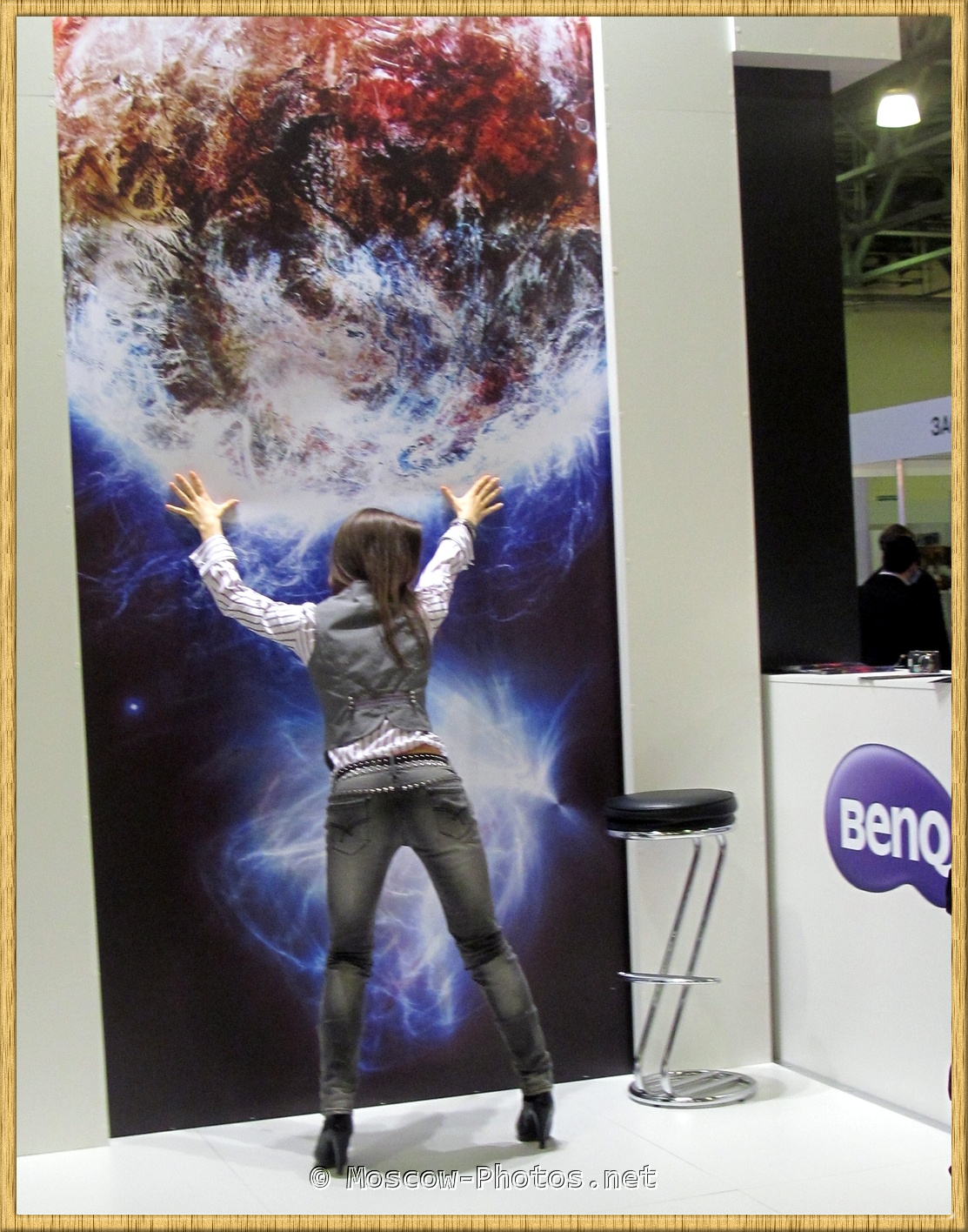 BENQ Girl posing on Photoforum 2012