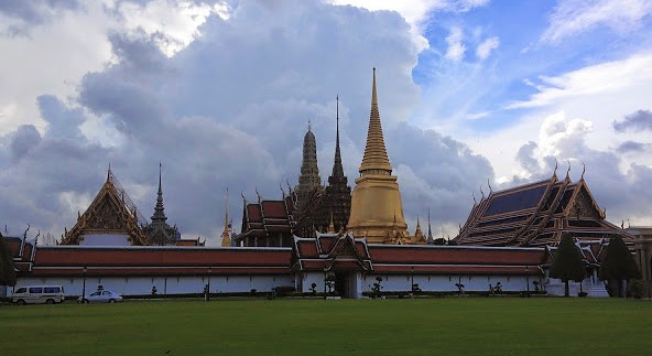emerald buddha temple grand palace bangkok