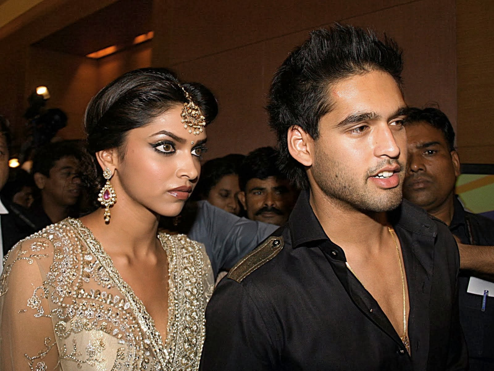 List of Deepika Padukone Boyfriend Till 2013 - Best Hindi ...