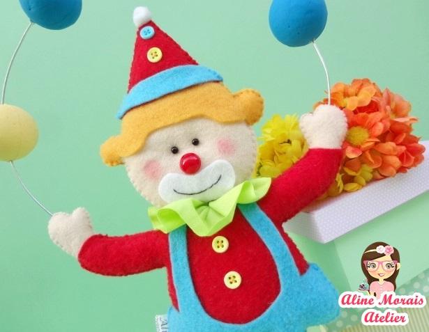 palhaço palhacinho de feltro com bolas jogando bolas  circo menino menina