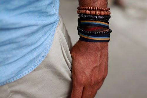 Looks Masculinos com muitas pulseiras