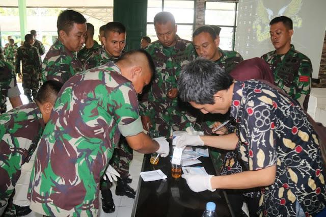 Prajirit Yonif Raider 323 Kostrad Terima Penyuluhan Bahaya Narkoba di Banjar