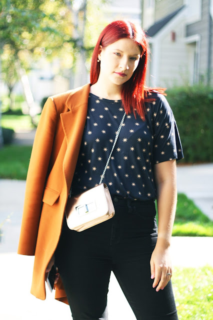 casual ootd inspiration, tan blazer, star print t-shirt