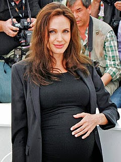 Angelina Pregnant Twins 39