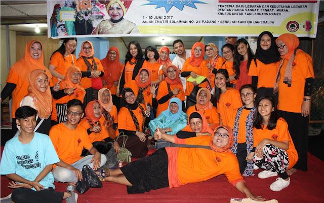 Para Pengurus dan Anggota Himpunan Wanita Karya (HWK) Sumbar bersama Sumbar Talenta Organization (STO), penyelenggara Toko Sosial HWK Sumbar
