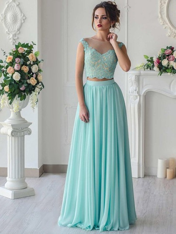 http://uk.millybridal.org/product/tulle-chiffon-scoop-neck-a-line-floor-length-appliques-lace-prom-dresses-ukm020105337-22000.html?utm_source=minipost&utm_medium=2597&utm_campaign=blog