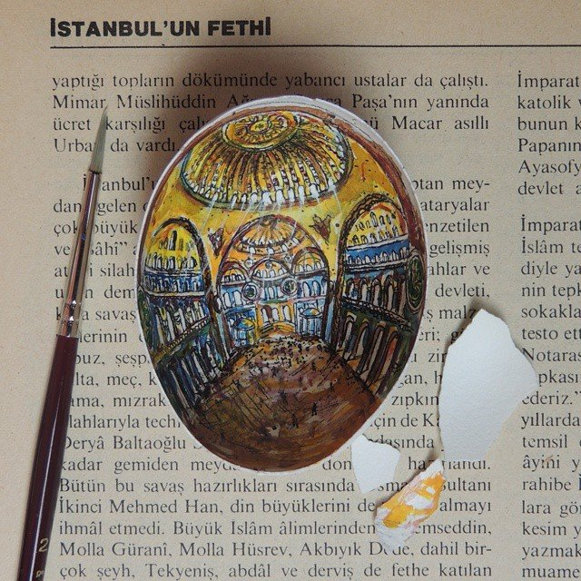 06-Hagia-Sophia-Museum-Süreyya-Noyan-Architecture-Drawings-Art-Paintings-in-an-Egg-www-designstack-co